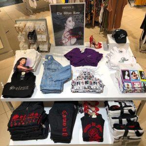 Lanza línea de ropa inspirada en Selena