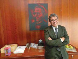 """No hace caso a las """"intrigas palaciegas""""; entrevista con Ricardo Monreal"""