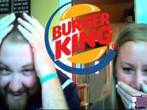 Él se apellida Burger, ella King, la empresa pagó la boda