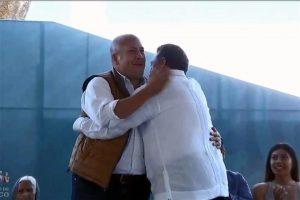 Provoca AMLO abrazo entre Alfaro y Lomelí
