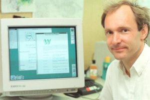 Cumple 30 años la Web