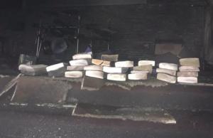 Fuego arrasa con iglesia sin destruir Biblias y cruces