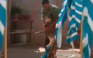 Reacción de perro al ser rescatado por un policía