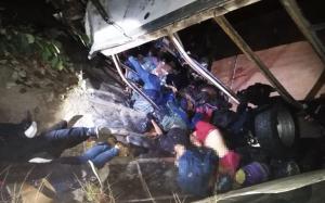 Camionazo deja al menos 25 migrantes muertos en Chiapas