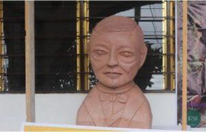 Revelan el autor del busto de Benito Juárez; era un 'recomendado'
