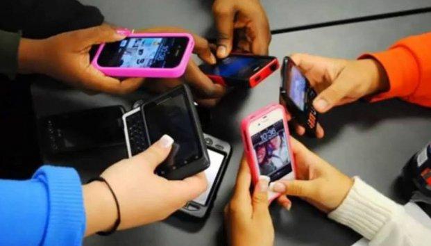 Alumnas de secundaria pedían dinero por video íntimo