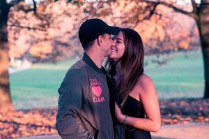 'Chicharito' se casó en secreto con Sarah Kohan