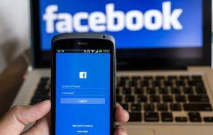 Facebook cumple nueve horas con intermitencia en su servicio
