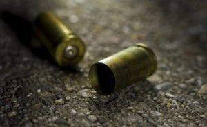Hieren de bala a joven afuera de bar en Laredo