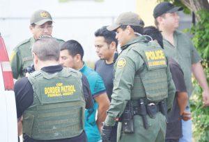 Emigrados trafican con indocumentados