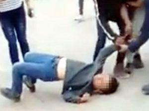 Niño saca un cuchillo en pelea callejera en Nuevo León