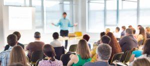 Deja atrás a Power Point y mejora tus presentaciones con estos programas
