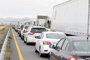 Desquicia retén la Carretera Nacional