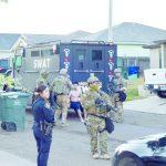 Localizan drogas y armas en cateo; hay 5 detenidos