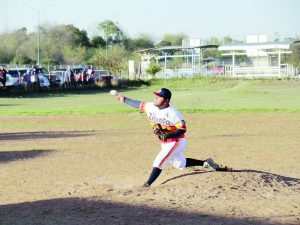 Con buen pitcheo Y ofensiva, Zapata derrota a los Toros