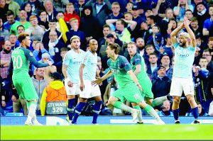 En juego de locura, Tottenham acaba con sueños del Manchester