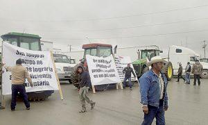 Agricultores bloquean cruce internacional Pharr-Reynosa