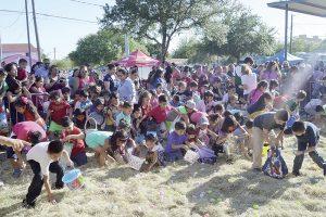 Festejan por adelantado pascua 200 familias