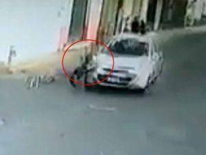 Captan momento en que auto atropella a niño en Puebla