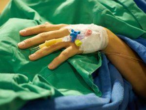 Mujer despierta tras pasar 27 años en coma