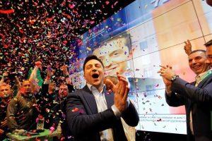 Gana comediante elecciones en Ucrania