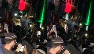 Fans interpretaron el intro de 'Avengers' con trompeta y guitarra antes de que empiece la película