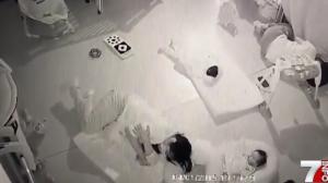 Bebé es asfixiado por niñera y ella se libra de la cárcel
