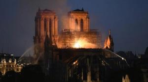 No es seguro salvar catedral de Notre Dame