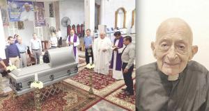 Muere el padre Carlitos