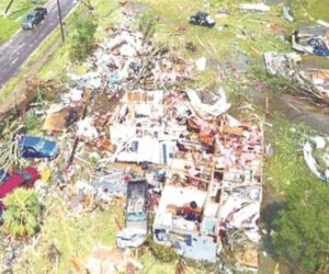 Tornado en Texas deja al menos una docena de heridos
