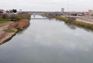 Advierten por fuerte corriente en el río Bravo
