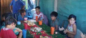 Niño de 11 vio a sus amigos con hambre y abrió un comedor en su casa
