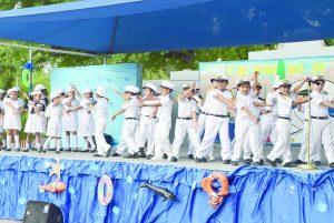 Conmemoran niños el Día de la Marina