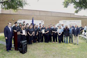 Honran a los salvadores de  vidas en Colegio de Laredo