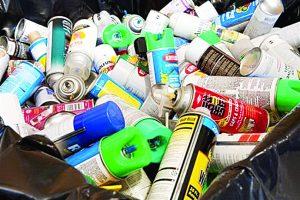 Colectan materiales peligrosos