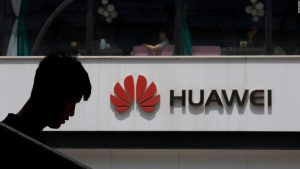 Presidente ejecutivo de Huawei dice que China no debería castigar a Apple