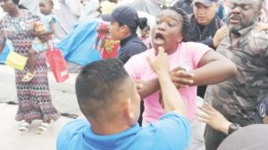 Sin deportar, africanos detenidos