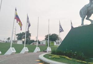 Abandono total  a plaza Bolívar