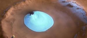 Descubren antiguas capas de hielo en polo norte de Marte