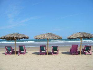Primero sargazo, ahora aparece chapopote en Playa Miramar