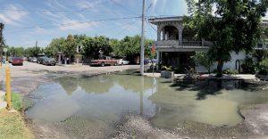Enferman aguas  negras a vecinos