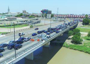 Excesiva seguridad; ponen  'retén' en Puente