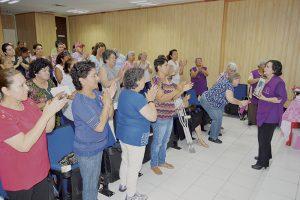 Enseñan a cuidar salud a mujeres con cáncer