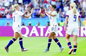 Carli Lloyd encabeza victoria de Estados Unidos ante Chile