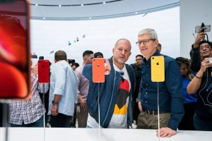 Sir Jony Ive, el legendario diseñador de iPhone, anuncia que deja Apple