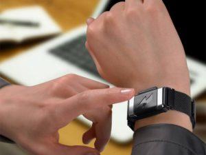 Amazon vende pulsera que te da toques si comes de más