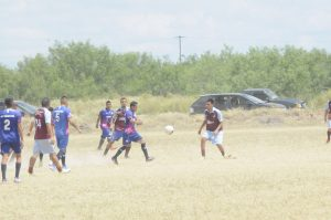 Dan Guerra en  la Azteca Soccer