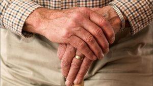 Ladrones mutilan oreja a anciano, por no traer nada de valor