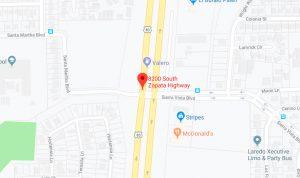 Se mata mujer en Laredo; sale disparada 18 metros