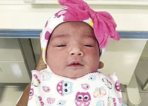 Nace bebé en baño del Hospital Civil